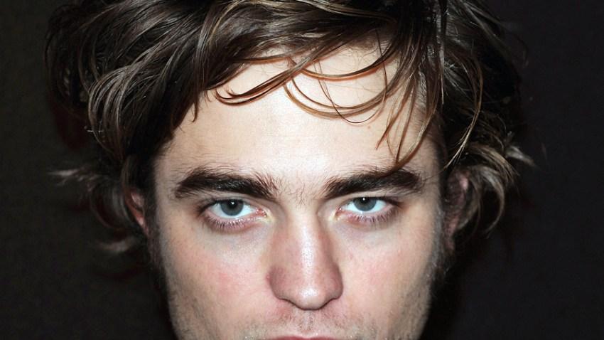 122308 Robert Pattinson Locks