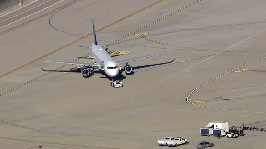 151119-lax-jetblue-plane-security-investigation