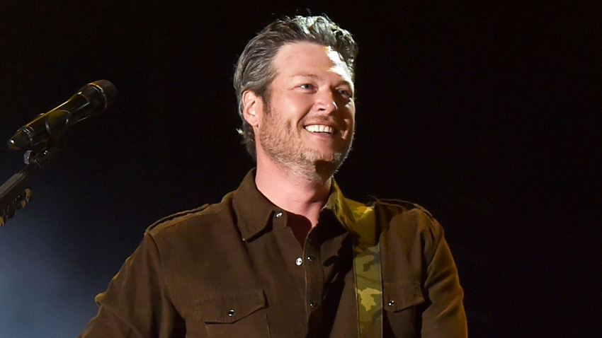 Blake Shelton Serenades Nurse Who Almost Died Of COVID-19
