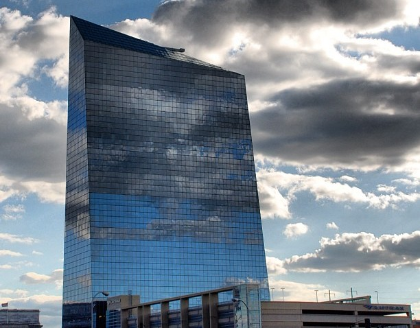 [phillygram] Cira Centre building in the clouds