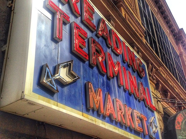 [phillygram] Reading Terminal Market. #philly #readingterminal #readingterminalmarket #visitphilly #philadelphia #twoonefive #igers_philly #phillygram #instaphilly #picadelphia #discoverPHL #whyilovephilly #igphilly #justgoshoot #citybestpics #city_e