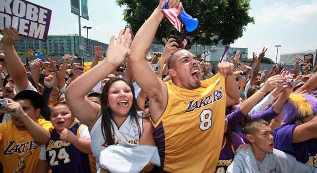 Lakers Parade Basketball