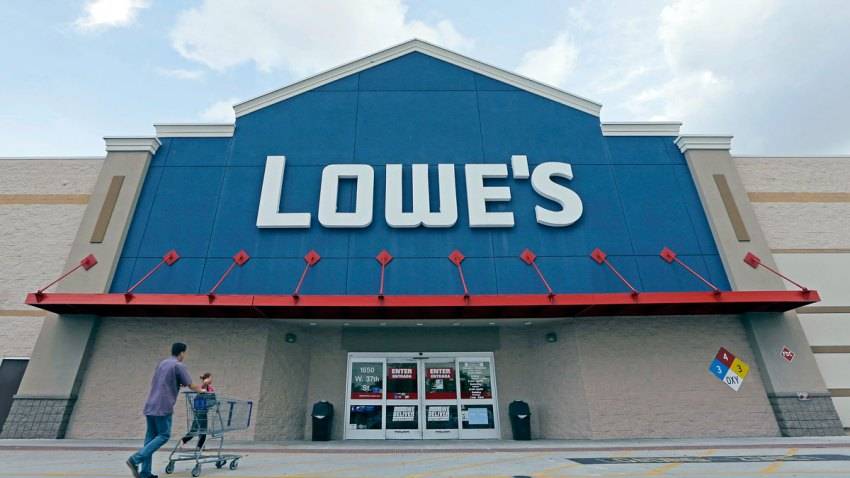 Earns Lowes
