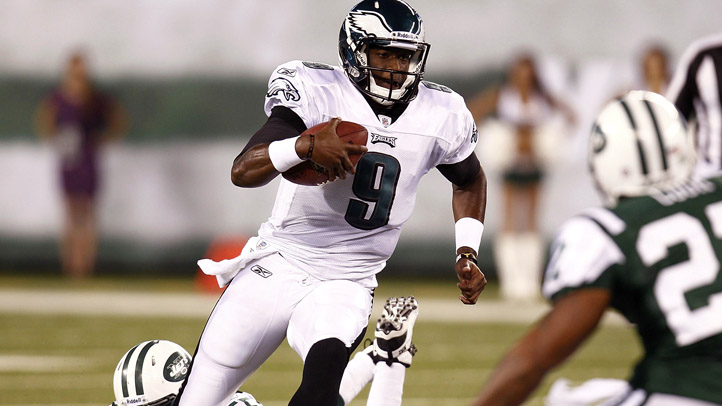 Vince Young Runs With Ball