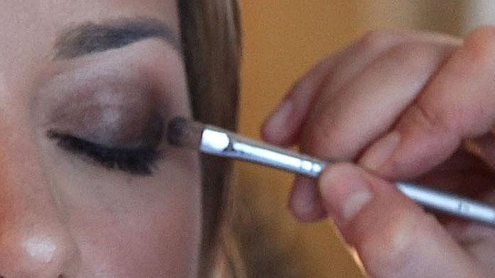 Eye-Makeup-95819703