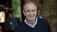 Comcast CEO Brian Roberts Pledges $500 Million for Employees Whose Jobs Are Impacted by Coronavirus