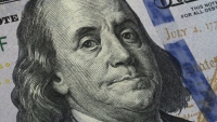 US Savings Rate Hits Record 33% as Coronavirus Causes Americans to Stockpile Cash, Curb Spending