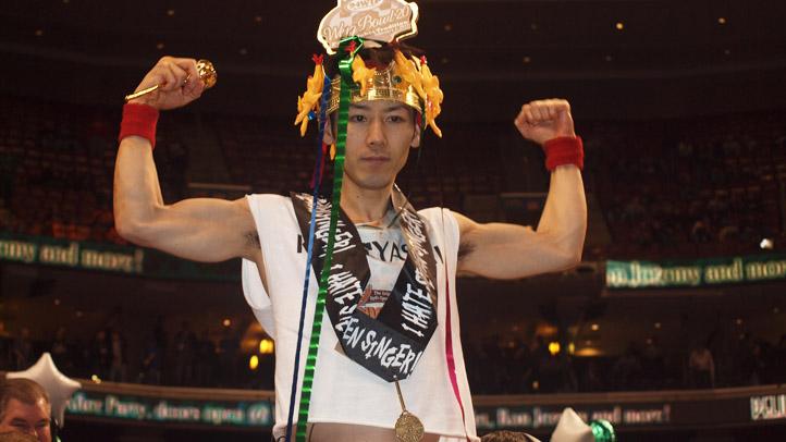 Kobayashi Flexes Wing Bowl 20
