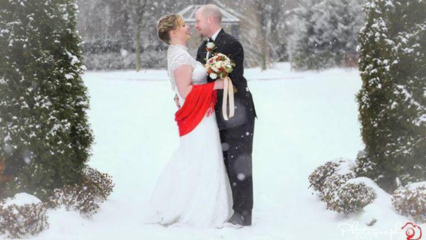 Melissa Rose Snowy Wedding Shoot