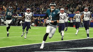 """Nick Foles catches the """"Philly Special"""""""