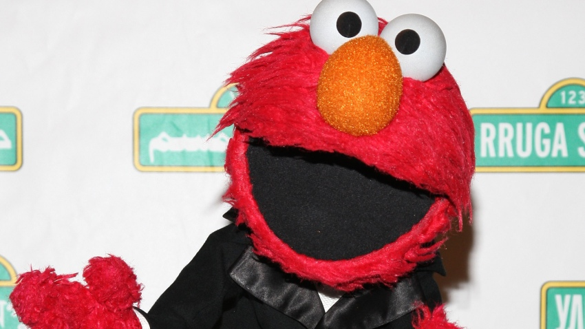 PHI Elmo Teaches Kids
