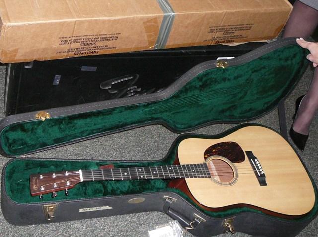 PHI vault guitar