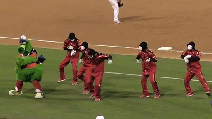 Phillie_Phanatic_Jabbawockeez_Dancing_Video_Citizens_Bank_Park