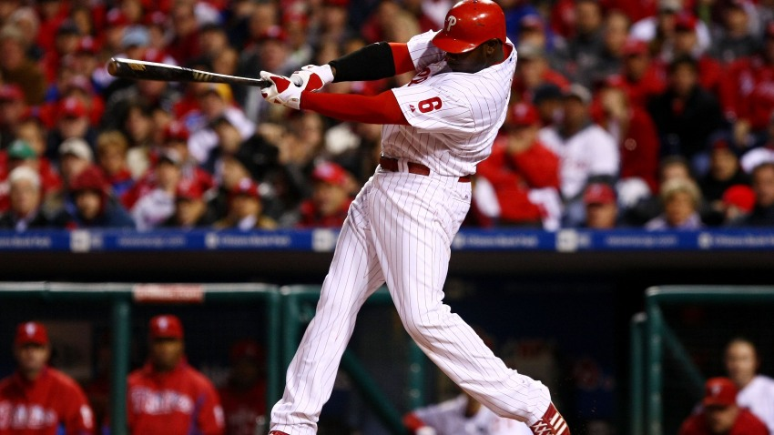 Ryan Howard Swings Away