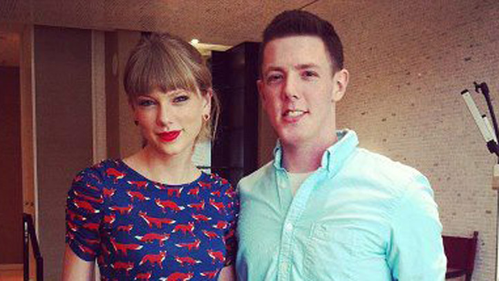 Taylor-Swift-and-Teen-Lead