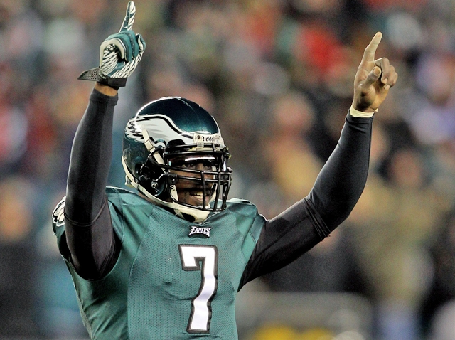 Michael Vick Arms Up