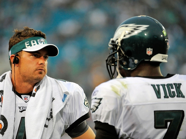 Kevin Kolb Michael Vick on sidelines