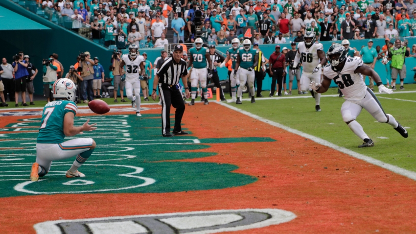 [CSNPhily] Watch as Dolphins pull off all-time trick play for touchdown vs. Eagles