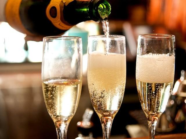 bistro_110_champagne