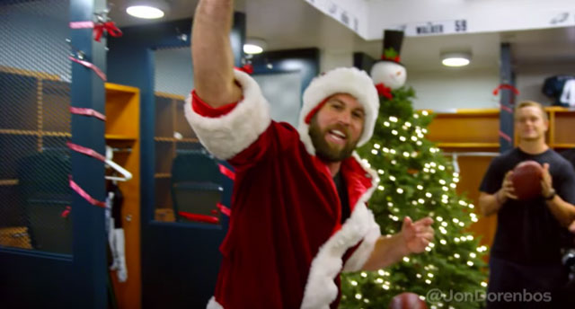 [CSNPhily] Jon Dorenbos does magic dressed as Santa