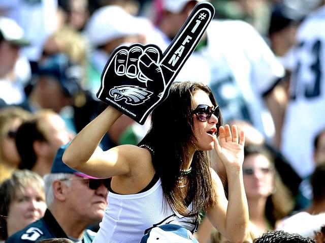Female Eagles fan