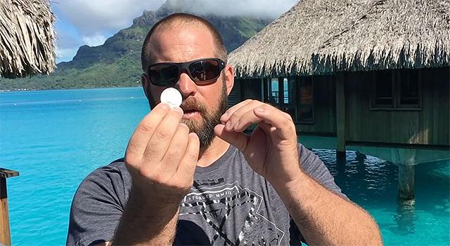 [CSNPhily] Even on honeymoon, Jon Dorenbos performs wild magic trick with coin