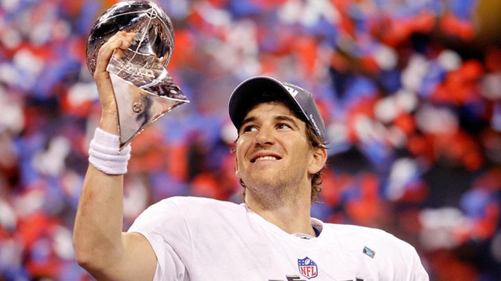 Eli-Manning-Super-Bowl-trophy