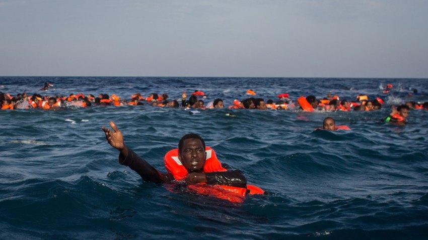 migrantsinwater_1200x675