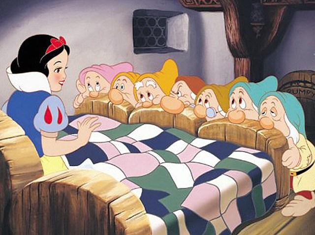 snow-white-seven-dwarfs