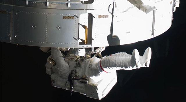 spacewalk-nasa