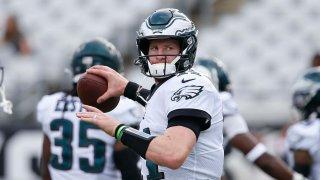 Philadelphia Eagles quarterback Carson Wentz (11) throws a pass