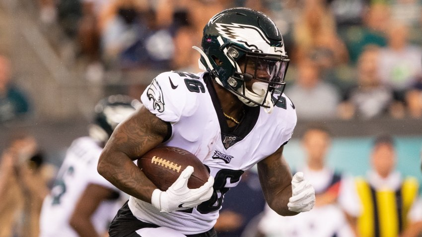 Philadelphia Eagles running back Miles Sanders (26) runs the ball against the Tennessee Titans during the first quarter at Lincoln Financial Field