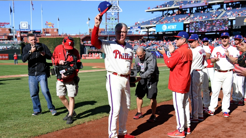 [CSNPhily] With touching sendoff, Phillies send Pete Mackanin out with a day he'll never forget