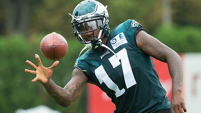 [CSNPhily] Alshon Jeffery gives Eagles glimpse of new-look offense's potential in 1st full-squad practice