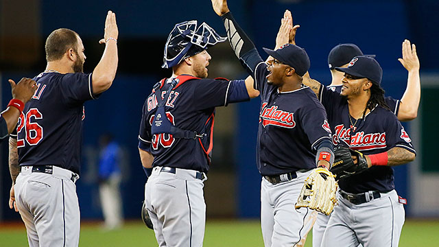 [CSNPhily] Best of MLB: Streaking Indians top Jays, run win streak to 13