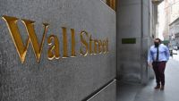 Asian Stocks Mixed After Wall St Rally Ahead of US Debate