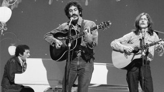 Pictured: (l-r) Pianist Tommy West, musician Jim Croce, guitarist Maury Muehleisen.