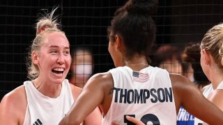USA women's volleyball beats No. 1 China in straight sets