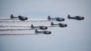 Picture of planes flying in formation
