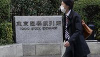 Asia-Pacific Stocks Struggle for Direction as Investors Look Ahead to HSBC Earnings
