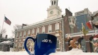 [UGCPHI-CJ-weather]@NBCPhiladelphia @KrystalKlei @RosemaryConnors Snow at Independence Hall, really pretty scene! https