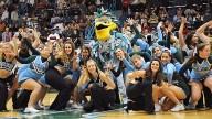 Tulane-univ-Cheerleaders