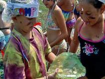 Kids Celebrate End of Summer With a Jell-O War