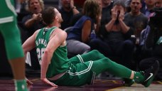 Hayward Dislocates Ankle, Fractures Leg in Celtics Debut: Coach