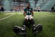 Vinny Curry Posts Emotional Tribute on Instagram