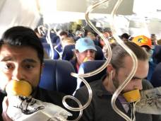 Passengers Didn't Use Oxygen Masks Correctly, Photo Shows