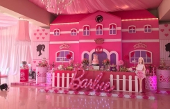 El Chapo's Wife Throws Daughters Barbie-Themed Party