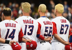 Blond Ambition: Puerto Rico Baseball Team, Fans Dye Hair