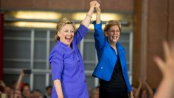 Warren, Clinton Team Up on Ohio Campaign Stage