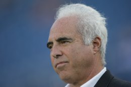 "Lurie Doesn't Quite Live Up to His ""Gold Standard"""